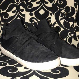 Steve Madden LANCER Shoes